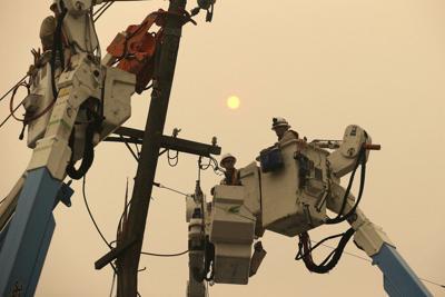 POWER CREWS IN CALIFORNIA - AP 10-8-19 1.jpeg