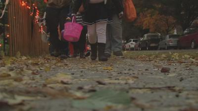 Trick-or-treating tips to keep kids safe on Halloween