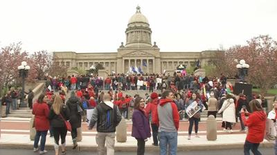 KEA teachers in Louisville for annual assembly continue to urge Gov. Bevin to veto pension bill