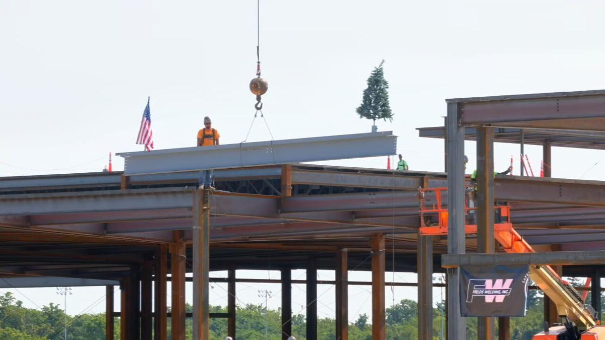 Final beam placed at Turfway Park