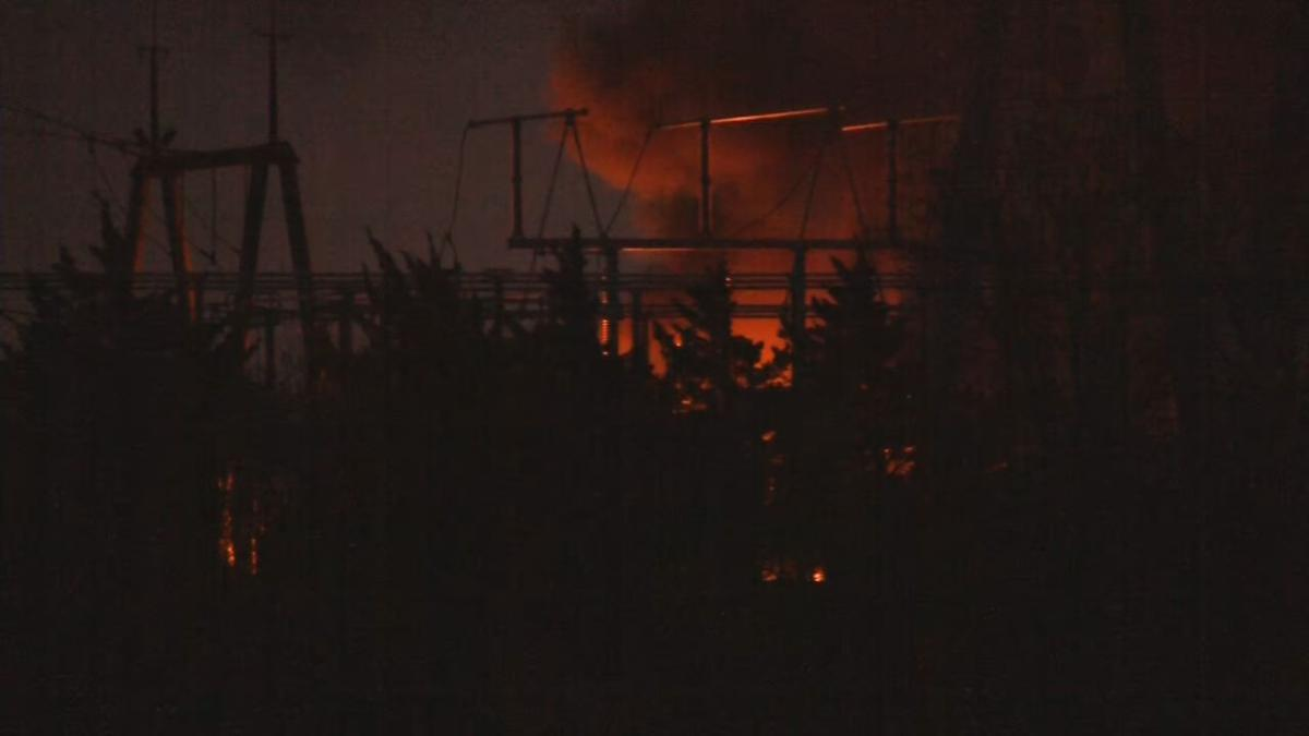 Explosion at LG&E substation sends black smoke into the air in southern Floyd County