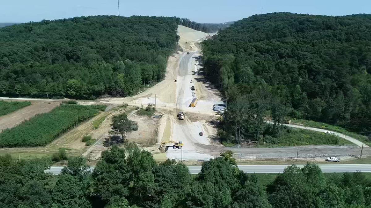 Crews preparing to build new bridge over I-65 in Shepherdsville