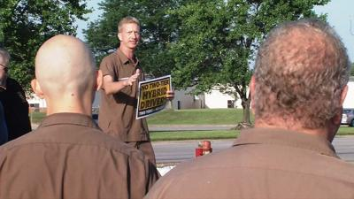 Ups Package Delivery Driver Pay >> Ups Drivers Oppose Creating Hybrid Positions That Would