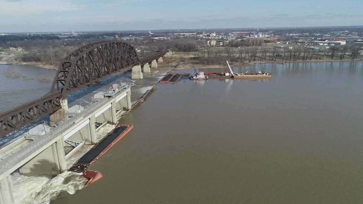 BARGE CLEANUP CONTINUES 1-10-19 .jpg