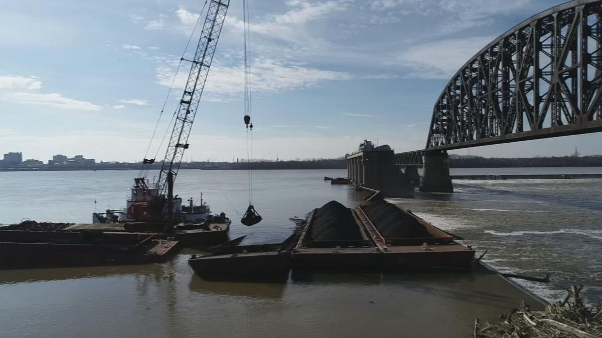 BARGE CLEANUP CONTINUES 1-10-19.jpg