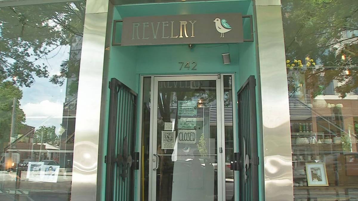Revelry boutique entrance closed.jpg