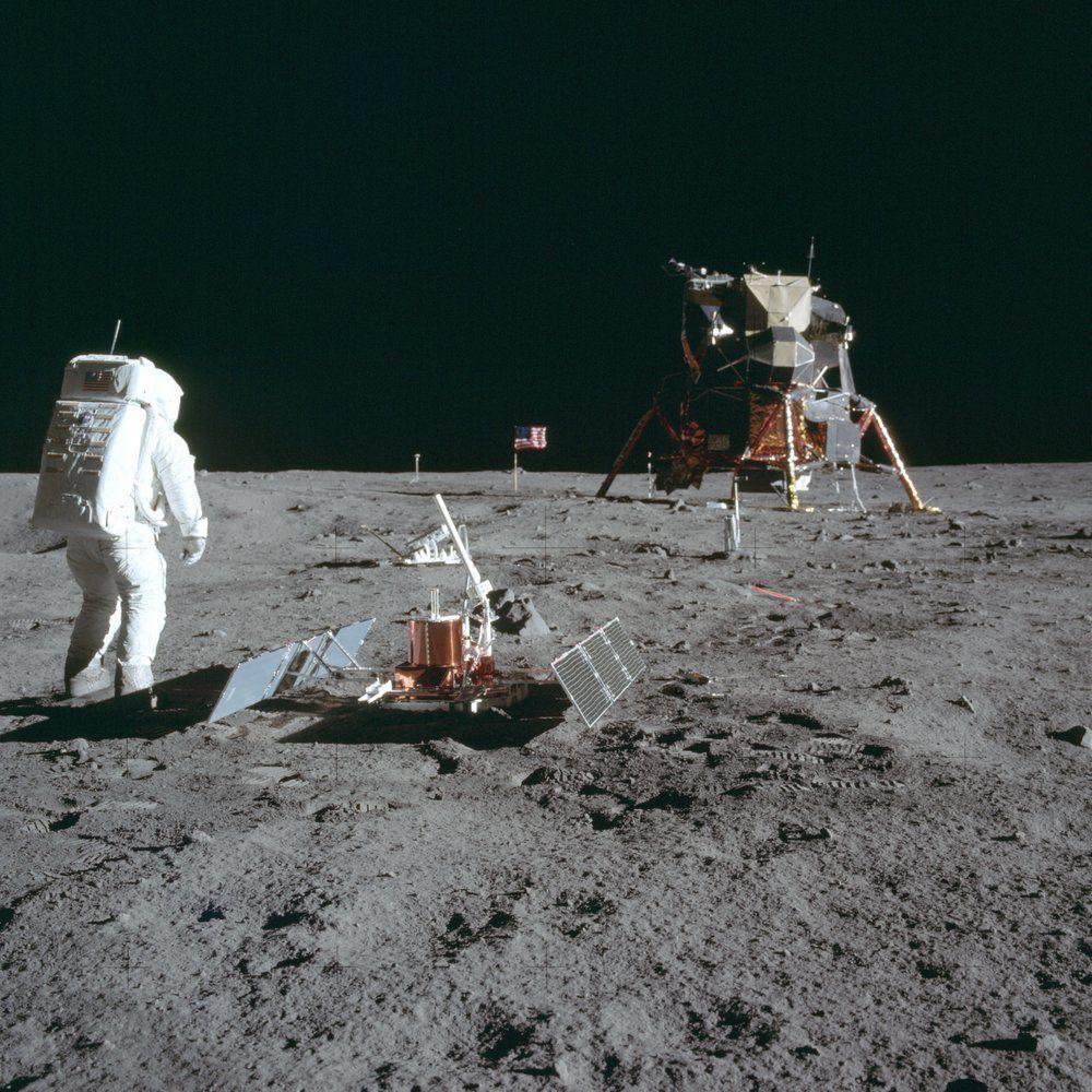 MOON LANDING - NASA - AP FILE 2.jpeg