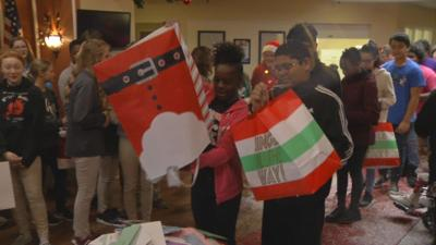 JCPS STUDENTS DELIVER CHRISTMAS CARDS TO SENIOR CITIZENS (7).jpg