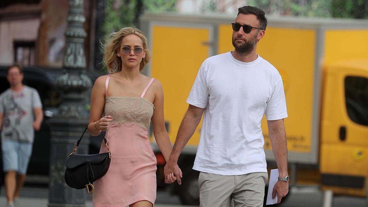 Jennifer Lawrence and Cooke Maroney 10-19-19 Fox.jpg
