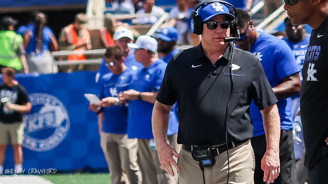 BOZICH | As SEC tilts toward offense, Kentucky, Stoops win with defense