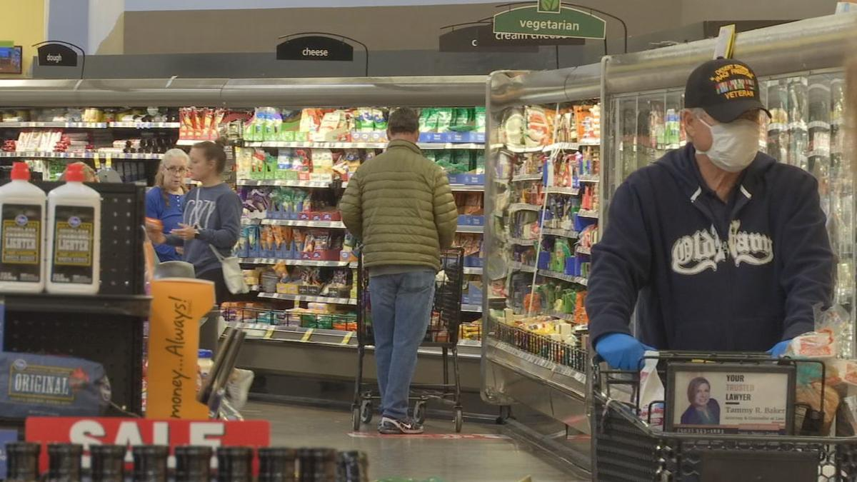 Kroger shoppers social distancing, coronavirus.jpg