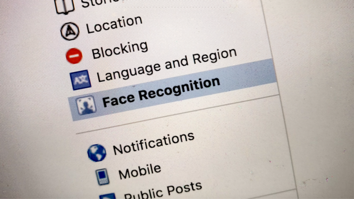 Court rules Facebook users can sue over facial recognition