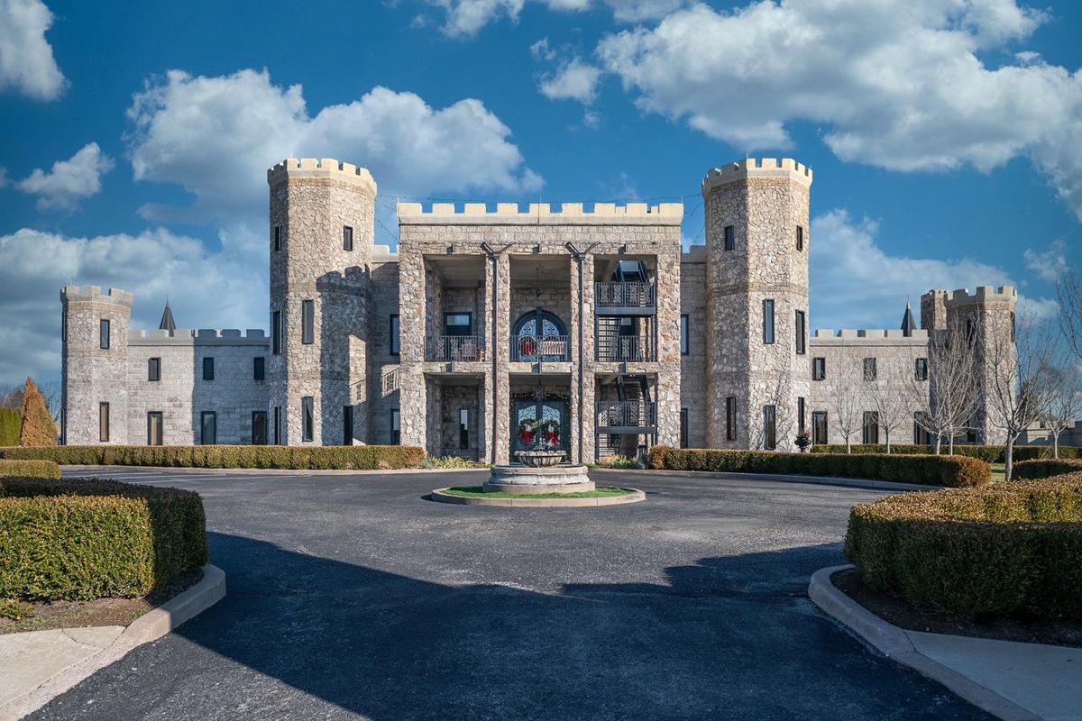 Kentucky Castle Head On