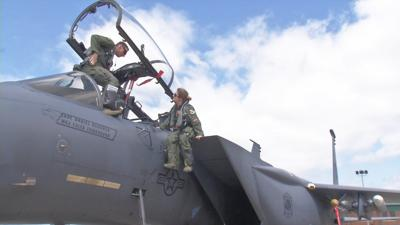 Several military members return home to perform in Thunder Over Louisville