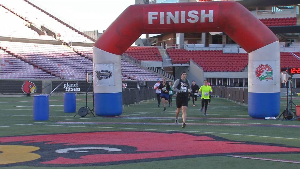Papa John's 10 miler finish line