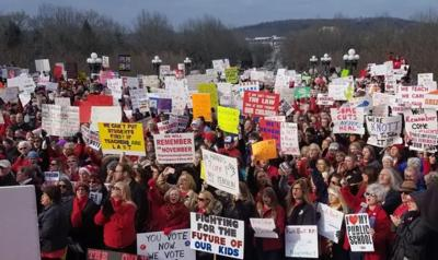 Teachers, other public employees prepare to rally in Frankfort