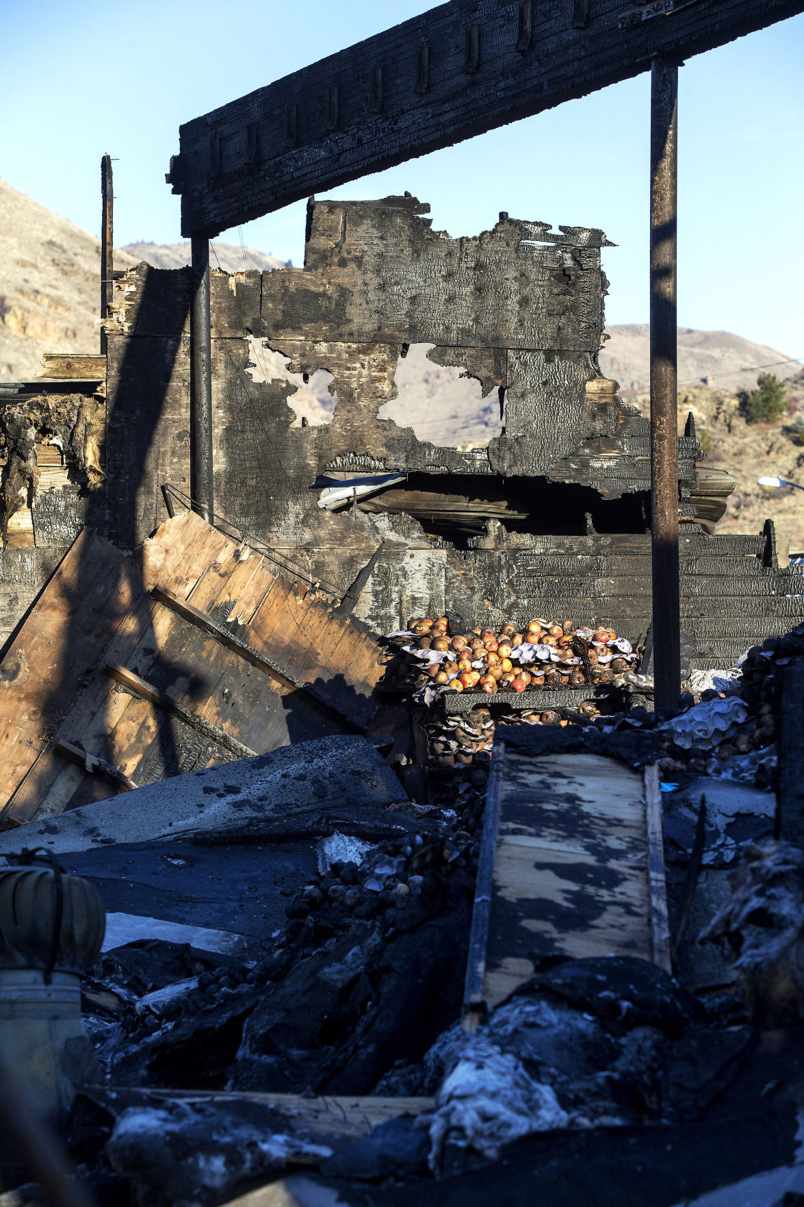 Orondo warehouse fire: Pine Canyon hoping to resume operations Wednesday