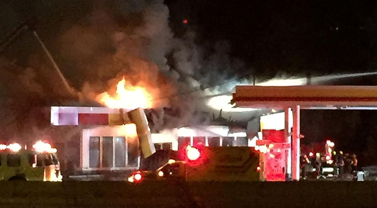 Fire destroys Cashmere gas station