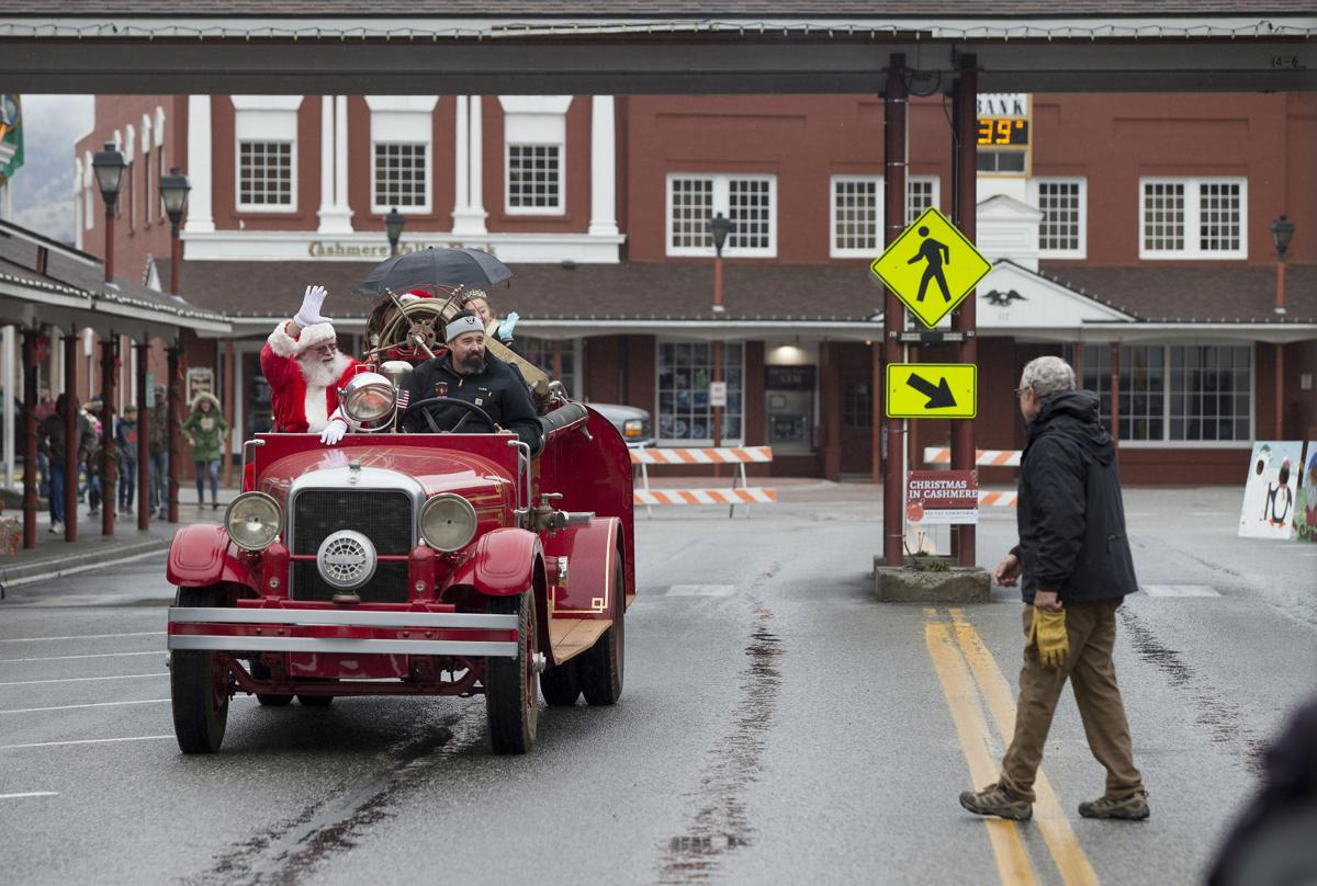 Santa Claus hangs out in Chelan County (copy)