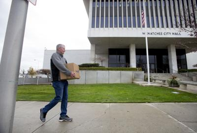 City Hall begins moving into old Federal Building