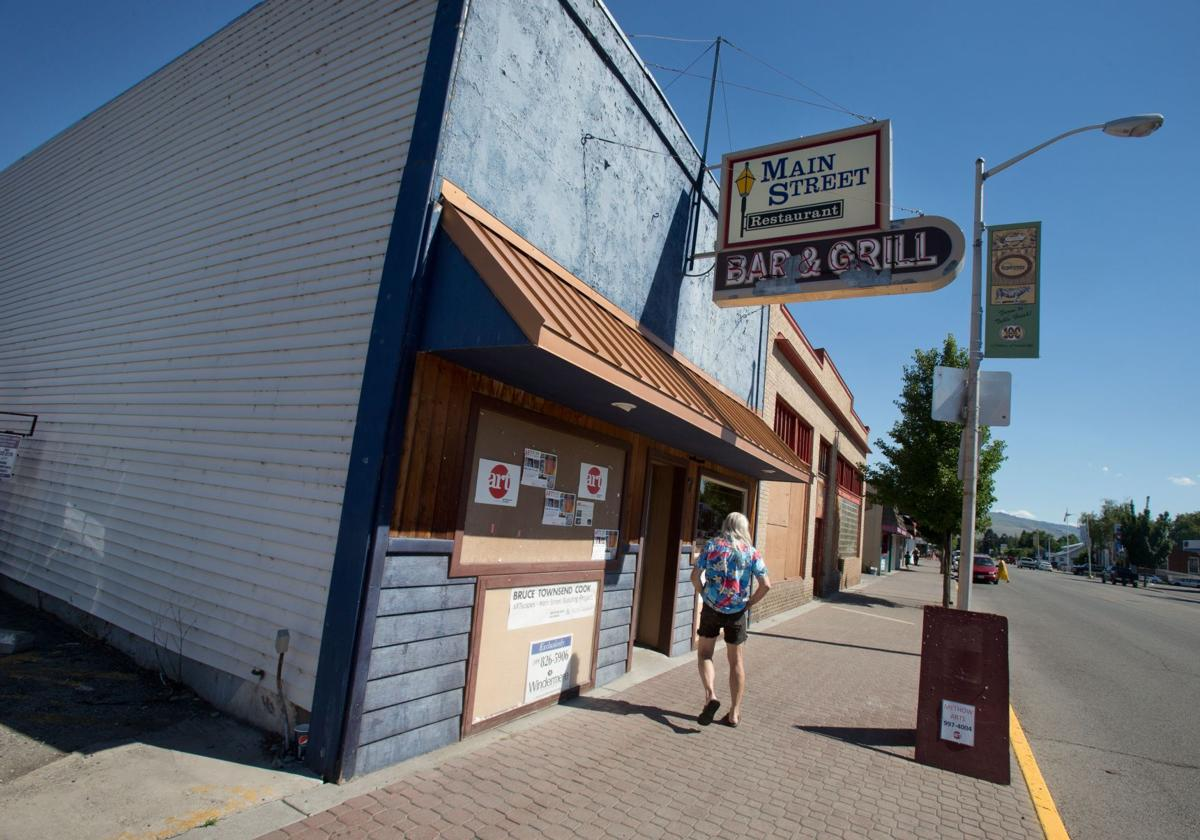 Group brings in art to revitalize downtown Omak