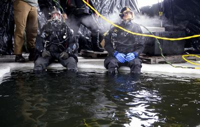 US-NEWS-NAVY-DIVERS-TRAINING-MCT