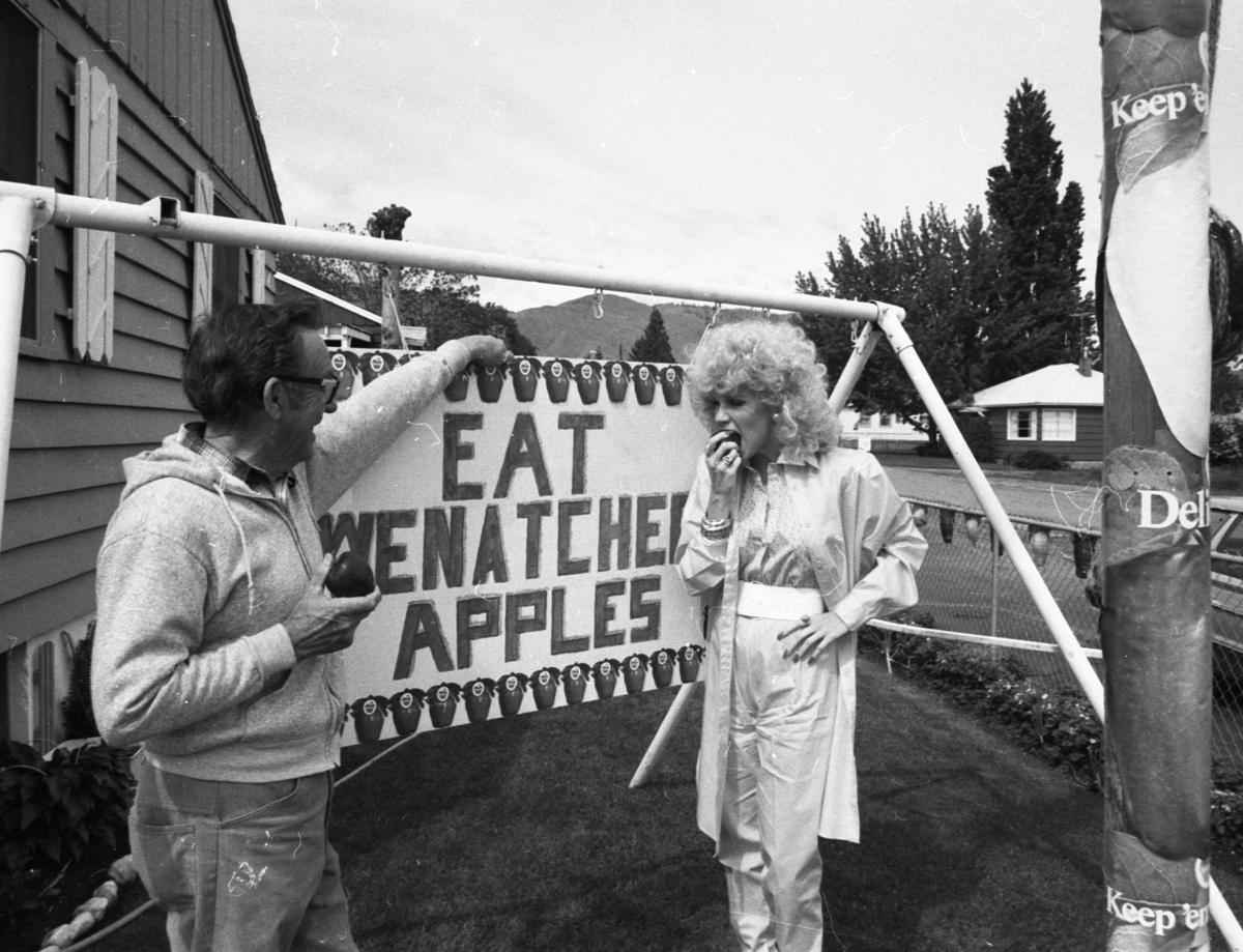 1982-1983: Mercury astronaut flies in; Julie Miller is grand marshal