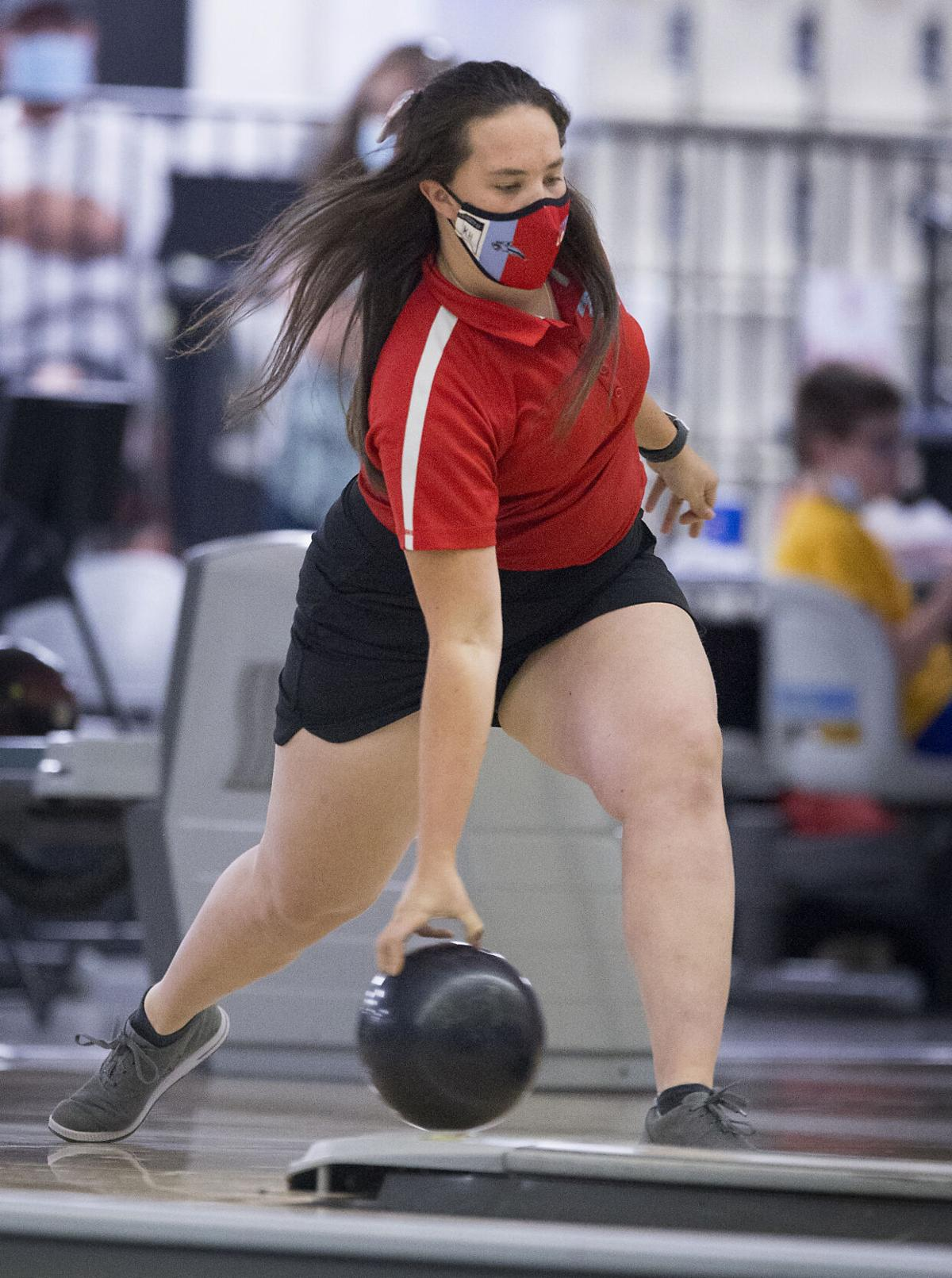 210527-sportslocal-whsehsbowling 02.jpg