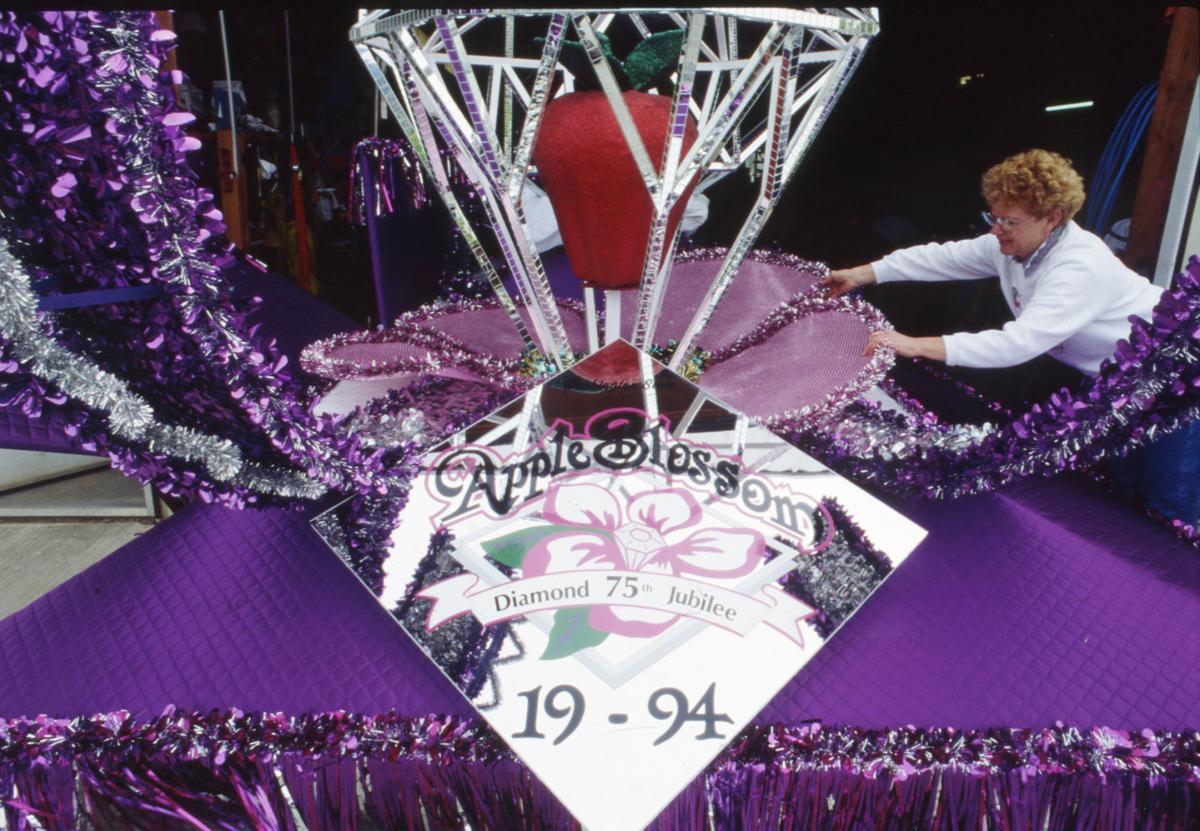 1994-1995: Diamond Jubilee celebration; float designers retire