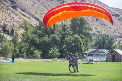 210811-newslocal-Paragliding.JPG