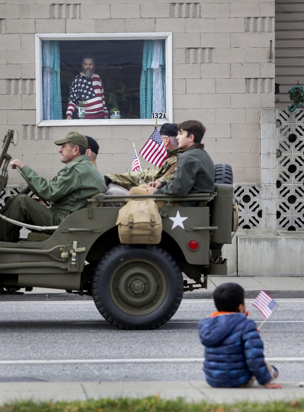 191112-newslocal-parade 01.jpg
