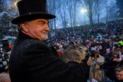 US-NEWS-PUNXSUTAWNEY-ANNOUNCES-NO-IN-PERSON-VISITORS-NY.jpg