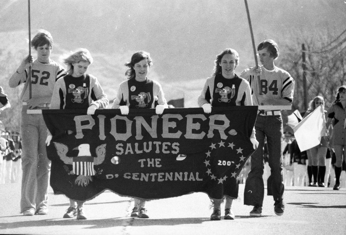 1974-1975: Contestants fly kites; museum celebrates anniversary
