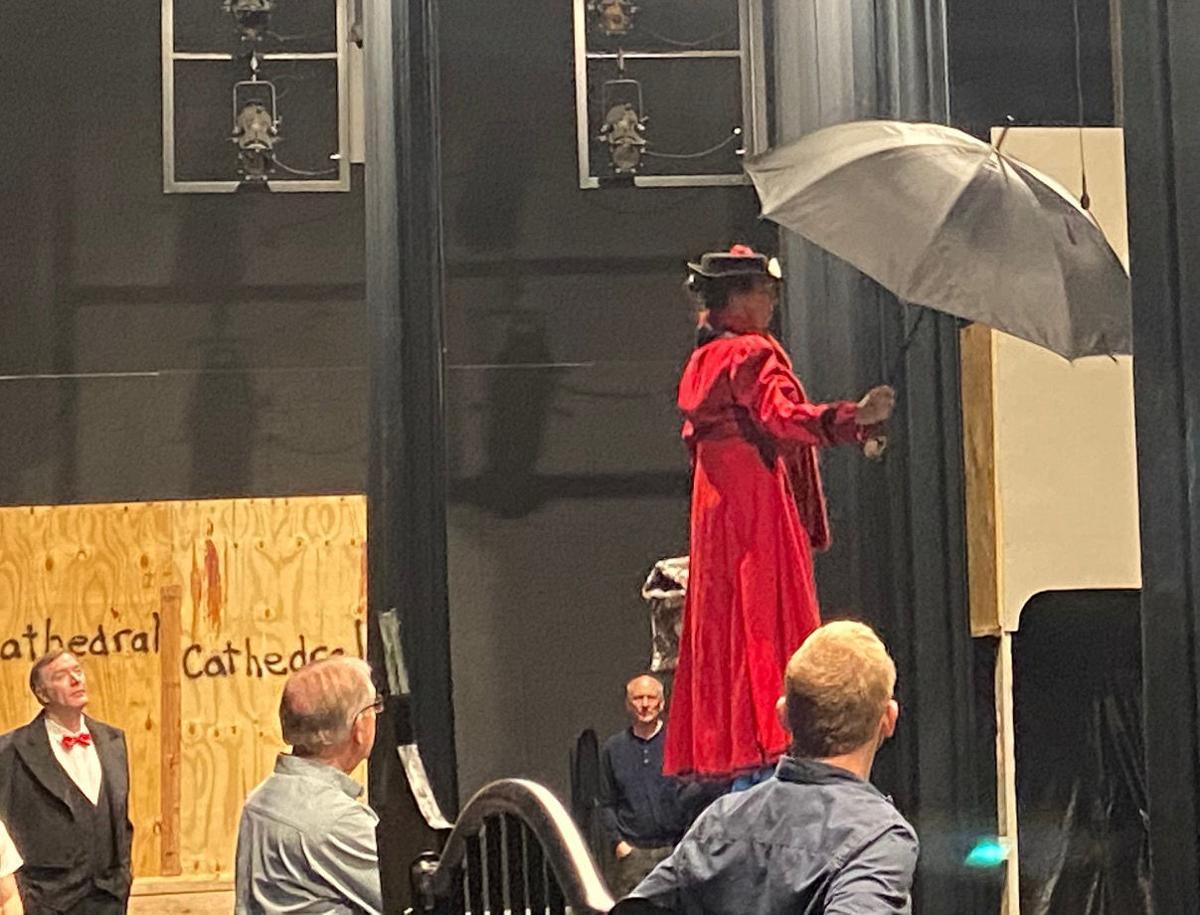 Mary Poppins 1.jpg