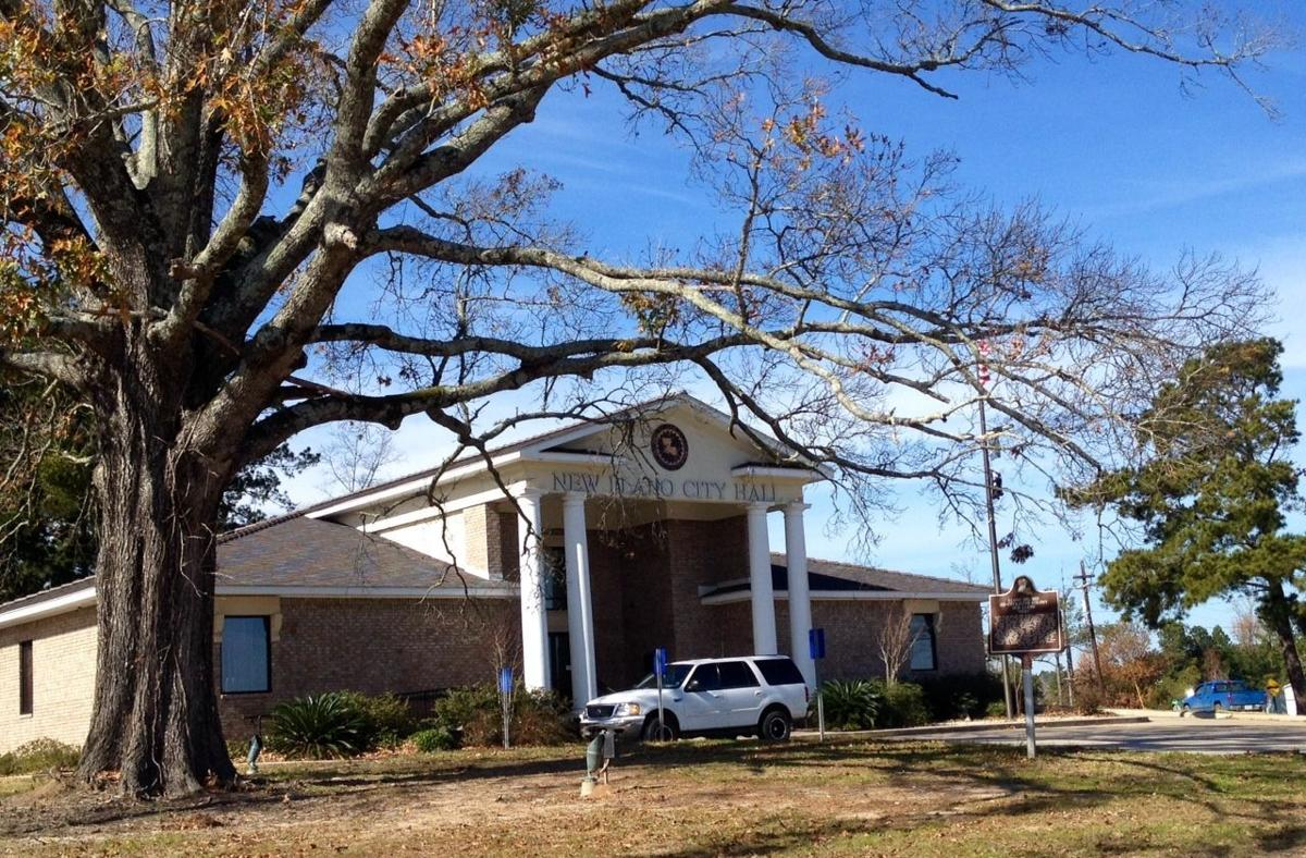 New Llano Town Hall