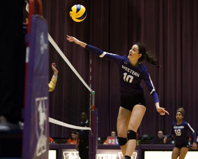 Women's Volleyball vs Queens 2