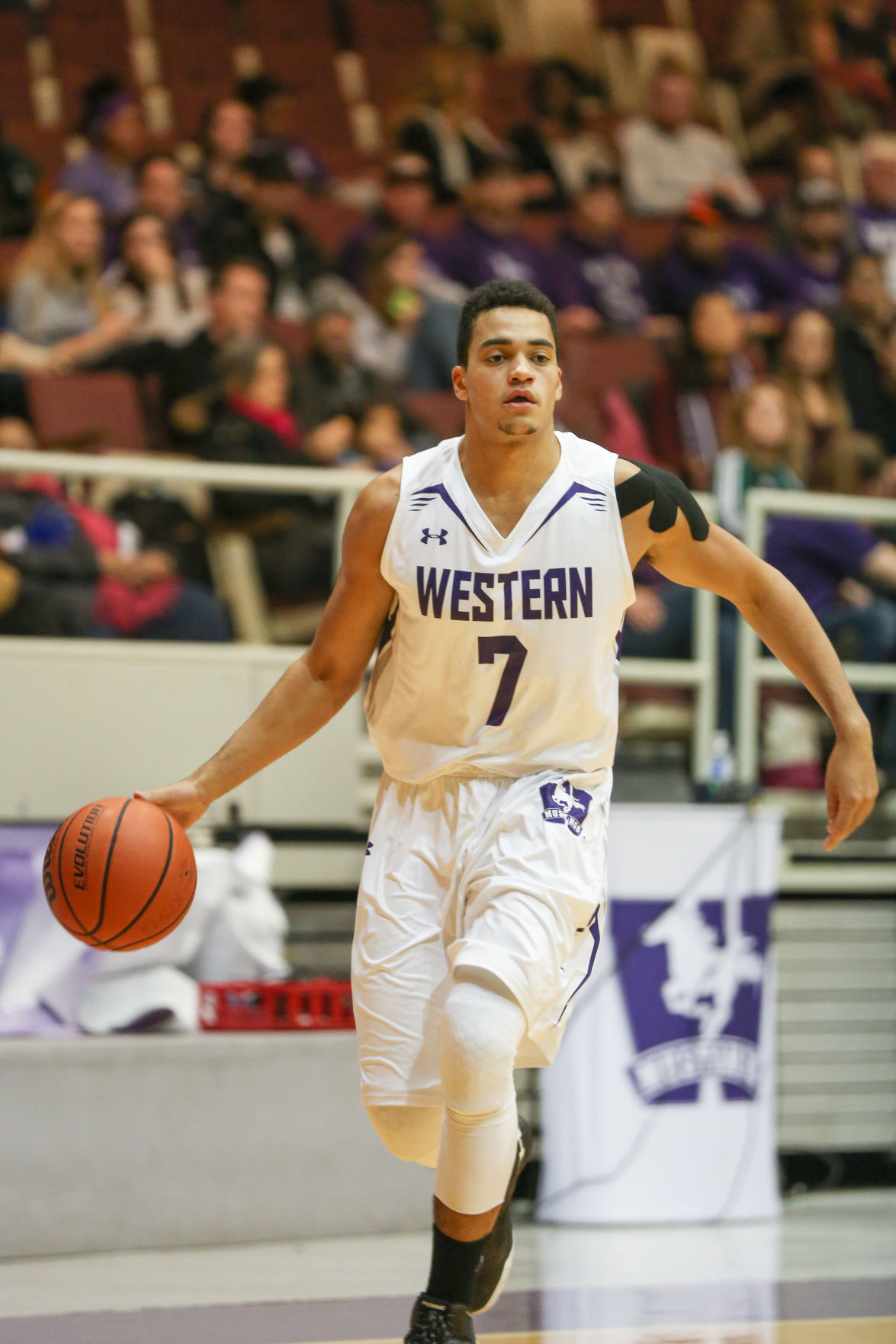 men's basketball preview jedson tavernier 7