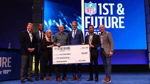 Western Alum Wins NFL's 1st and Future Award (Photo 1)