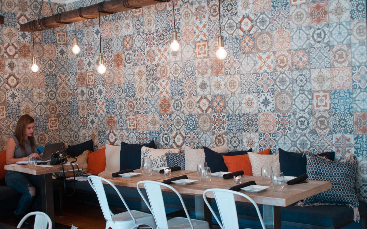 Authentic Restaurant (photo 11)