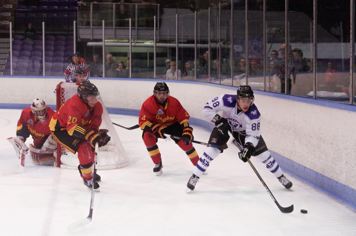 Men's Hockey vs. Guelph- Kyle Porter.jpg
