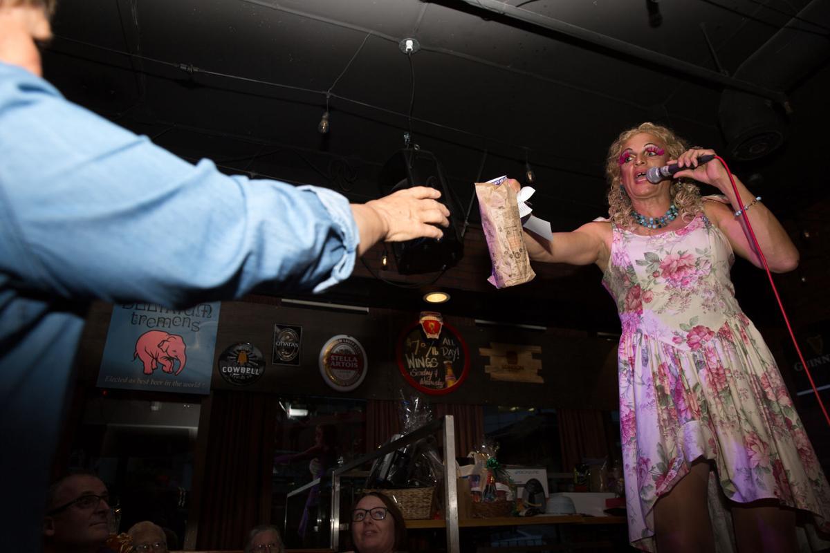 Bitchy Drag Queen Bingo (Photo 15, Prize)