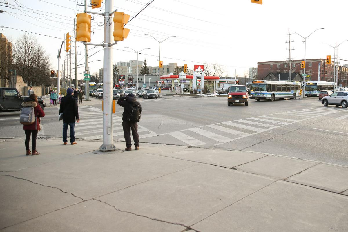 Western road/Sarnia intersection