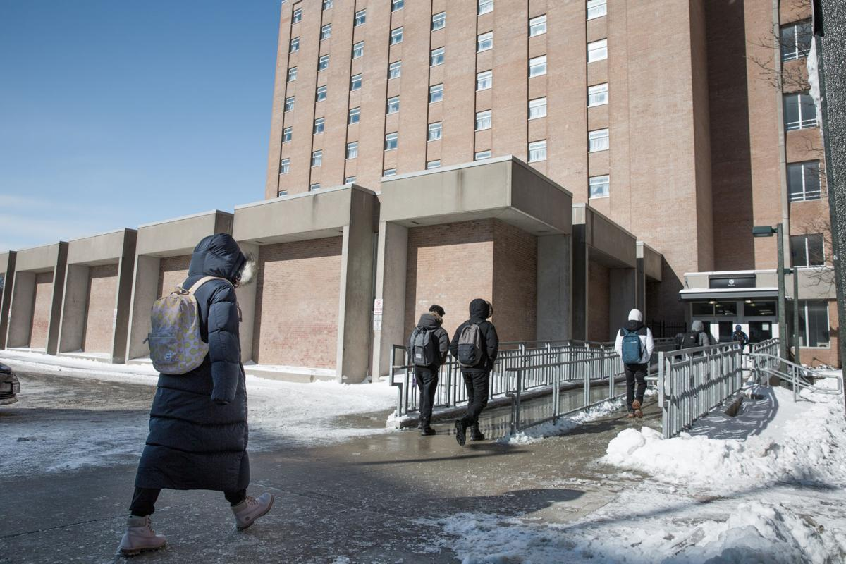 Students walking into Saugeen (Photo)