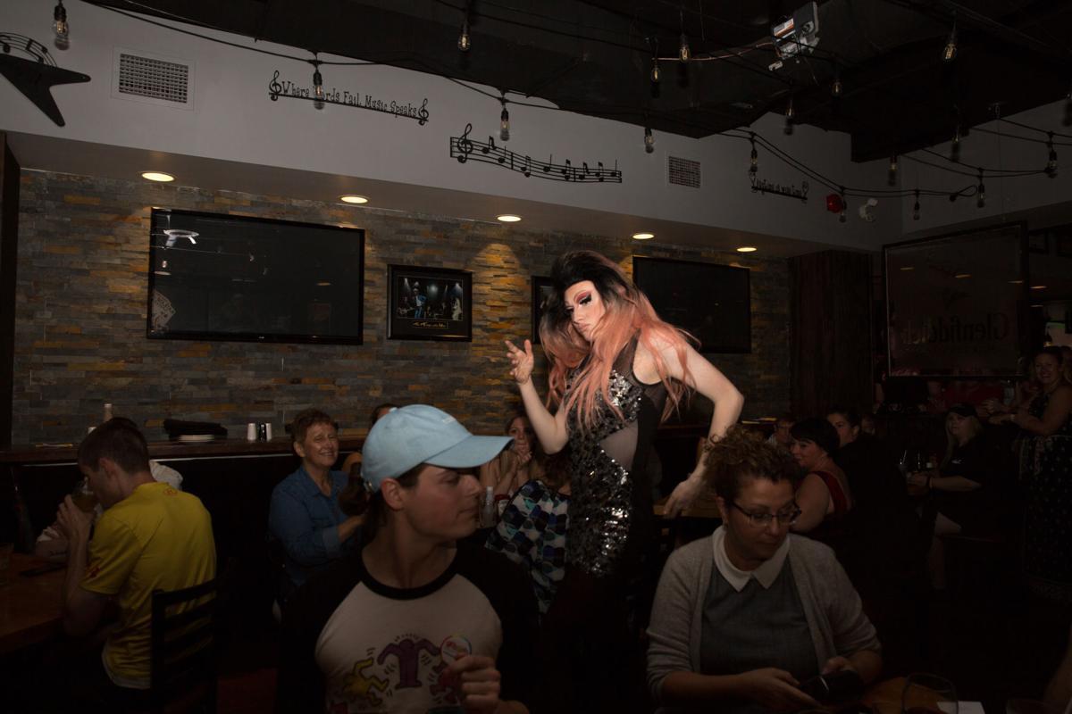 Bitchy Drag Queen Bingo (Photo 16, Miss Shaneen)