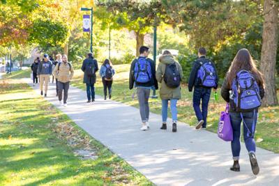 Walking on campus (Photo)
