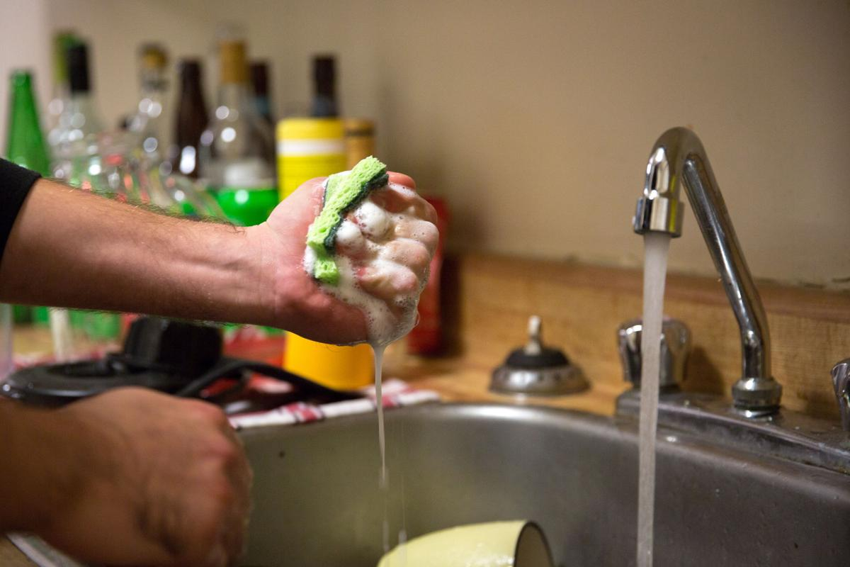 Roommate Etiquette, Dishes Photo