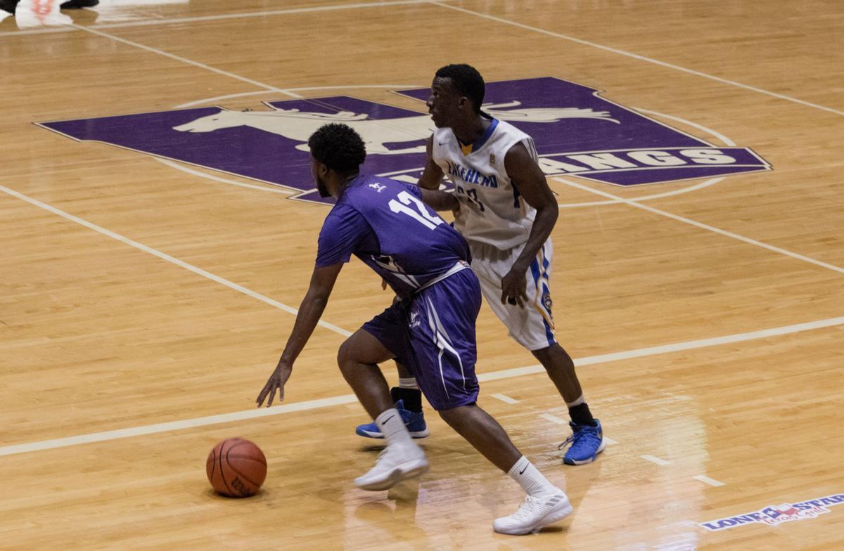 Men's basketball vs. Lakehead 6