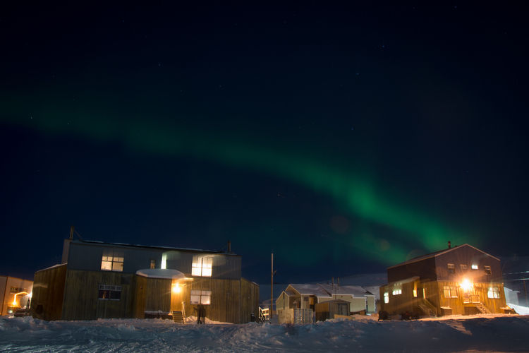 Kangiqsujuaq northern lights