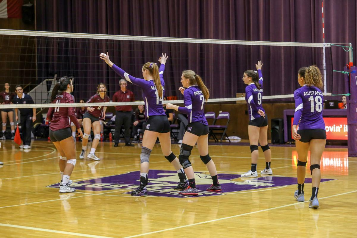 Women's Volleyball vs. McMaster - Chuhan Wang-6.jpg