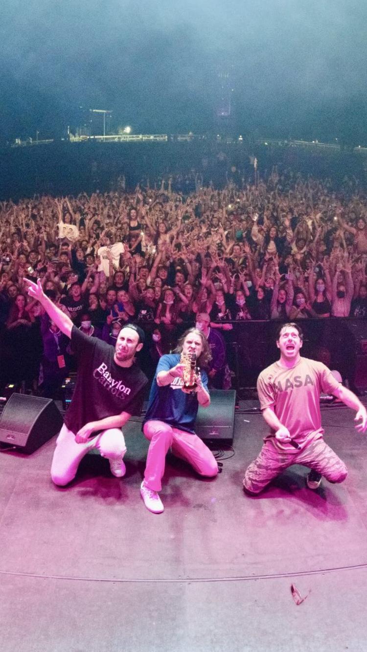 OWeek 2021 crowd selfie